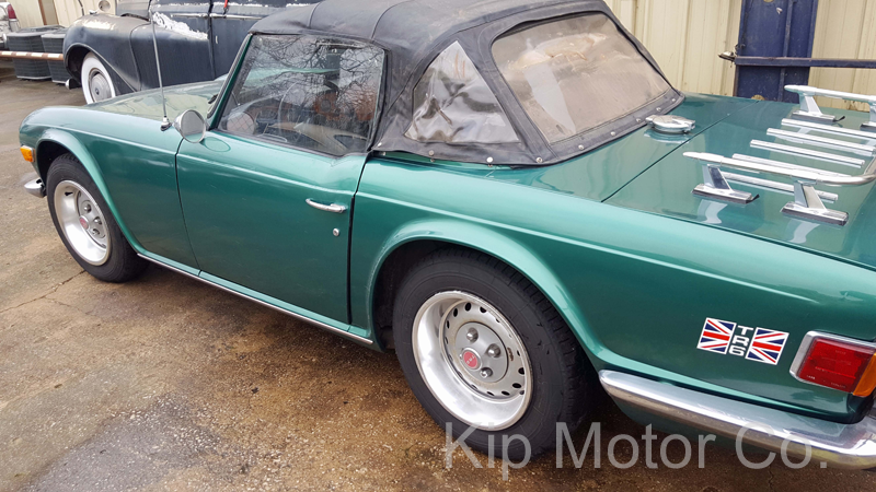 Service – Convertible Top Install: 1973 Triumph TR6